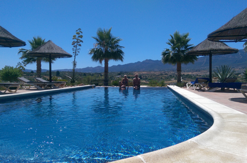 infinity-pool-b&b-Andalusië